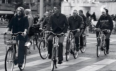 img_7155yellowbike-bw-edit.jpg